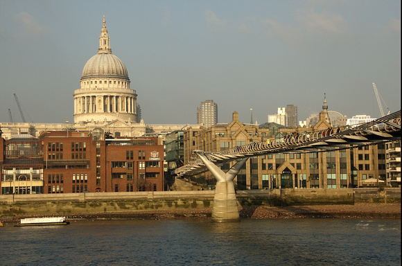 London, Millennium Bridge View